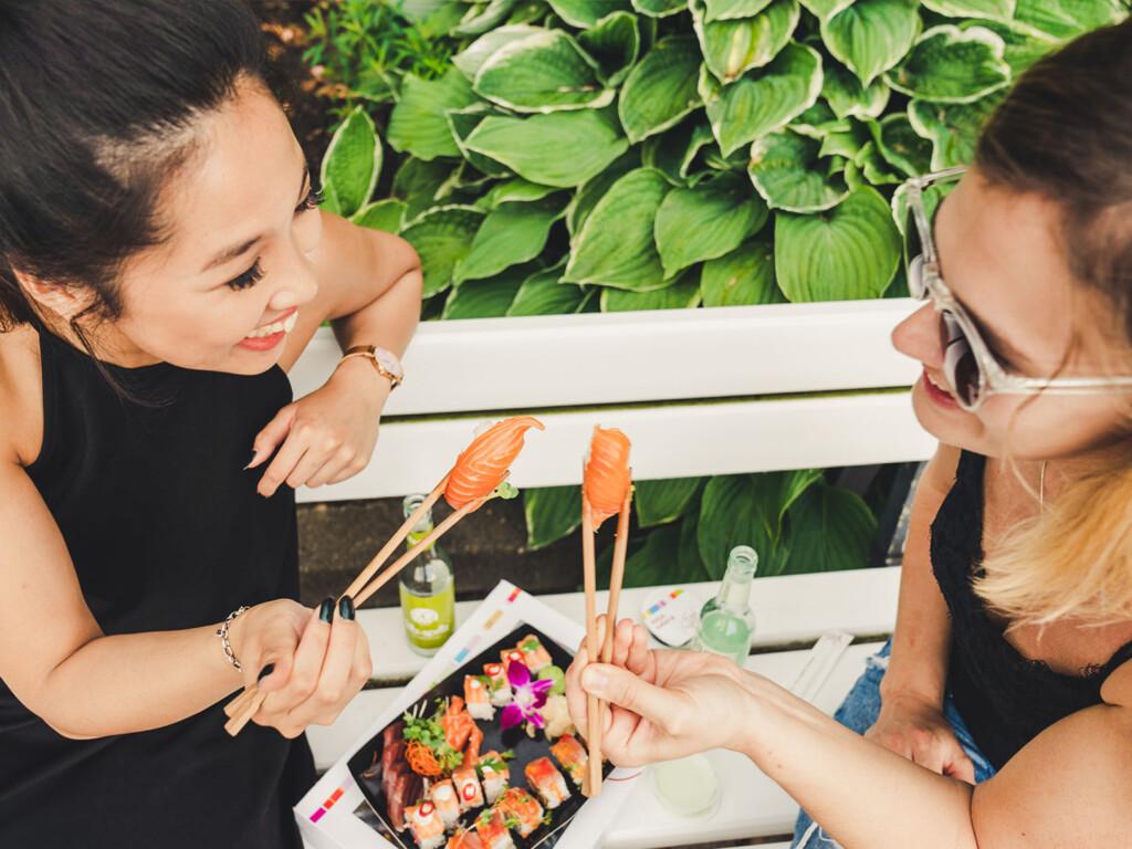 Der Sushi-Lieferservice Sushi for friends nutzt what3words, um Kunden zu helfen, die nächstgelegene Abholstelle für ihre Bestellungen leichter zu finden. © Sushi for friends / what3words